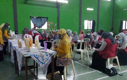 Pemberdayaan Masyarakat Desa Melalui Pelatihan Pembuatan Rengginang